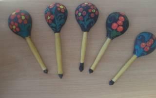 Роспись деревянной ложки и яйца акриловыми красками.