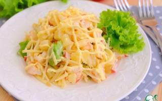 Салат с креветками и крабовыми палочками в ананасе. Рецепт с пошаговыми фото