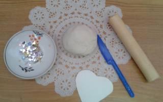 Валентинка из соленого теста. Сердце с розами. Мастер-класс