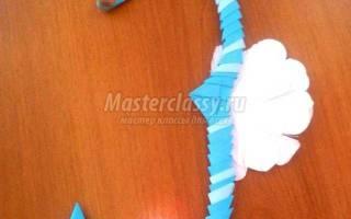 Морской конек в технике модульное оригами и бумагопластика.
