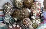 Декупаж пасхальных яиц и декорирование набрызгом.