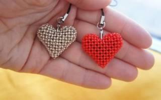 Черно-белое сердце из бисера своими руками.