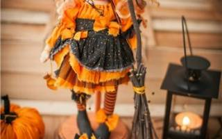 Тильда — ведьмочка на Хэллоуин.