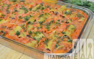 Макароны, фаршированные мясным фаршем под соусом: пошаговый рецепт с фото