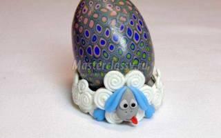 Детская подставка для пасхального яйца из полимерной глины. Овечка.