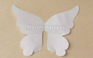 Бабочка из холодного фарфора.