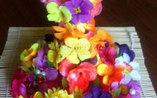 Декоративная композиция из цветов. Цветочная чашечка.