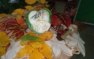 Прямой декупаж деревянного сердца. Осень — время свадеб.