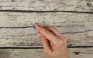 Широкий браслет из резинок крючком.