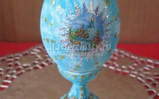 Пасхальное яйцо с росписью и наклейками. Икона.