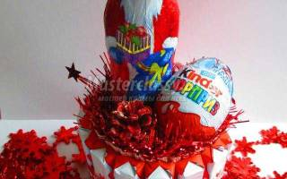 Подарки на Новый год. Торт из киндеров своими руками.