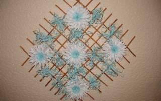Аппликация: цветы. Панно с букетом бордовых хризантем из крепированной бумаги.