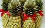 Пьяный ананас из шампанского и конфет ко Дню Святого Валентина. Мастер-класс с пошаговым фото