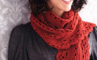 Вязание ажурного шарфа крючком.