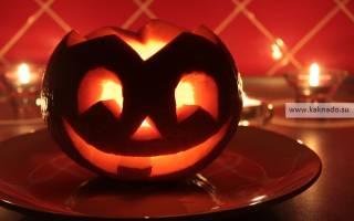 Подсвечник-тыква к празднику Хэллоуин.