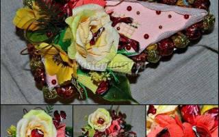Композиция из конфет в технике свит-дизайн. Кусочек торта.