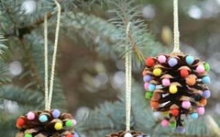 Новогодние игрушки из природного материала. Шишки-малышки.