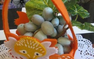 Детская аппликация из листьев и желудей. Виноград. Мастер-класс