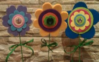 Весенний веночек своими руками с цветами из фетра.