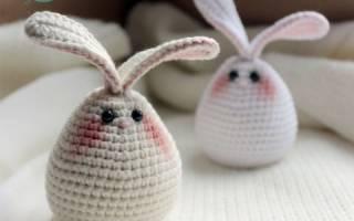 Вязание крючком пасхального зайца для яиц. Мастер класс с пошаговым фото