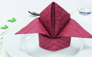 Оригами из салфеток.