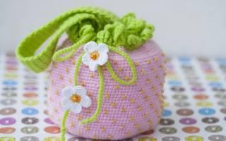 Яркая детская сумка крючком для девочки: