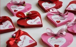 Валентинки из картона и ткани к 14 февраля.
