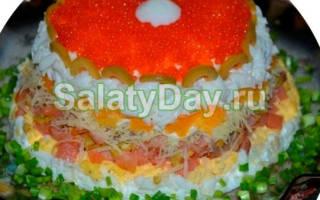 Салат с крабовыми палочками и сёмгой. Рецепт с пошаговыми фото