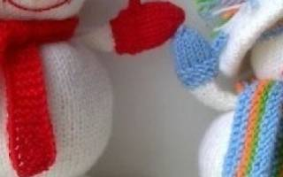 Красивый вязаный снеговичок. ТОП — 10 мастер-классов пошагово с фото